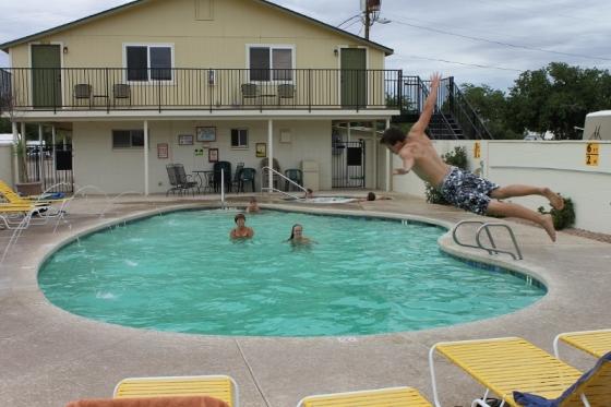 duik-in-zwembad